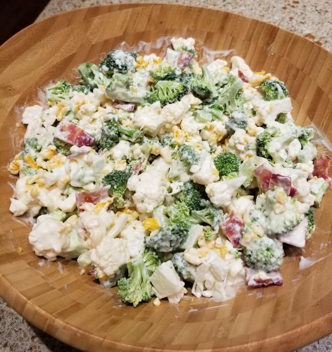 amishcauliflowerbroccolisalad